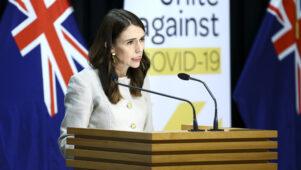 """Uus-Meremaal saadetakse kõik uued COVID-nakatunud ja nende pered """"karantiiniasutustesse"""""""
