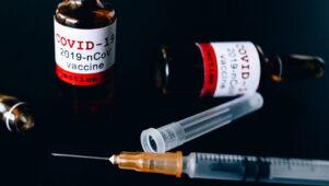 CNN: Ära satu ärevusse kui pärast vaktsineerimist hakkab inimesi surema