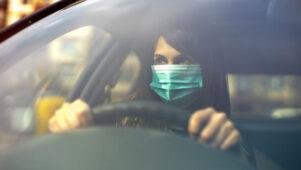 Berliinis kästakse autodes kanda meditsiinilisi kaitsemaske